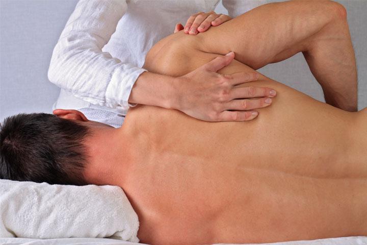 درمان دستی کمر در مردان