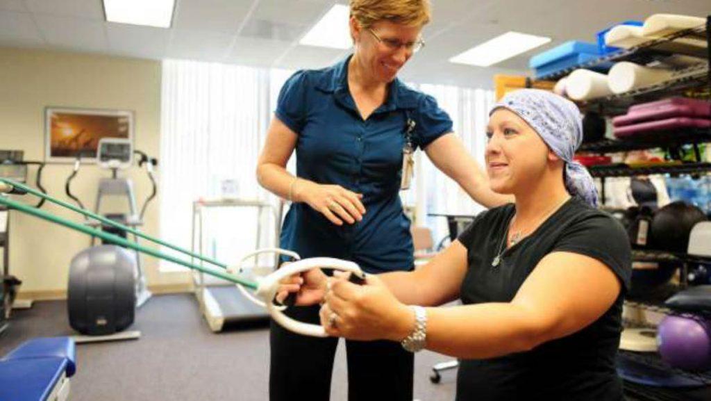 نقش فیزیوتراپی در بهبود سرطان