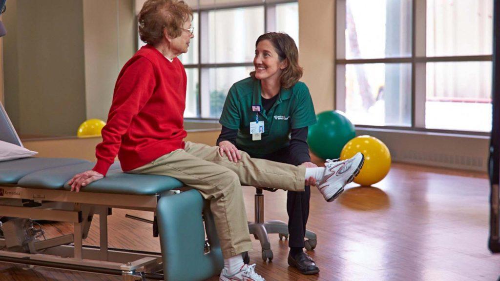 درمان فیزیکی سالمندان در کلینیک