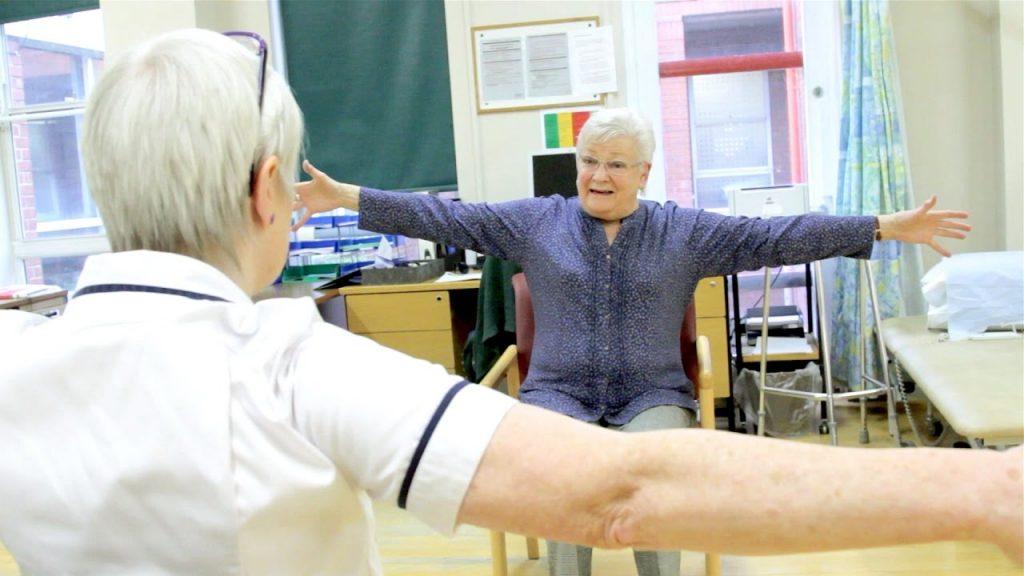 فیزیوتراپی برای بیماران سرطانی و سالمندان